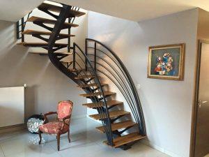Escalier design en métal